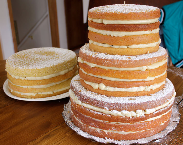 how to stack wedding cake layers a wedding cake the big day 16177